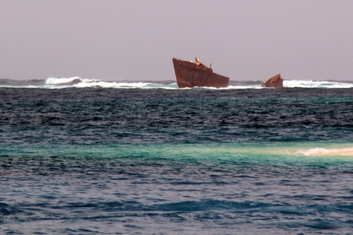 Sunken fishing boat off Coco Banderos