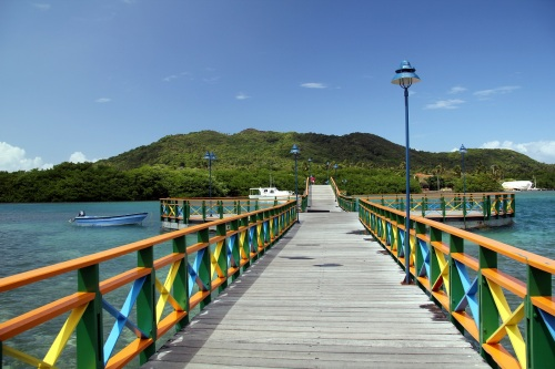 Lover's Bridge, connecting Isla Providencia to Isla Santa Catalina