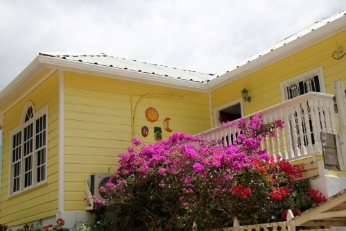 Pretty house in Oak Ridge