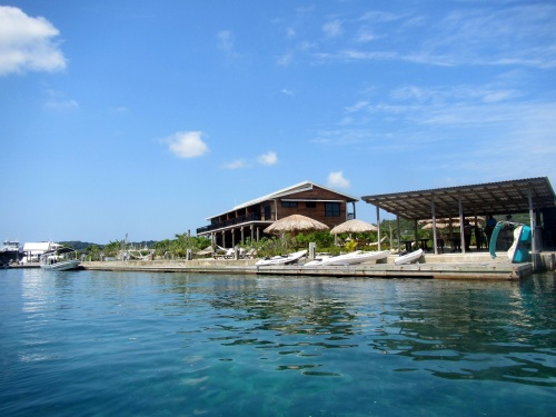 The building housing the Dive Center, more accommodations and shops
